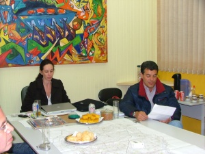 Aprovação do jingle da campanha de Beto Richa prefeito em 2004. Muito do ar de concentração deve-se ao frio curitibano.